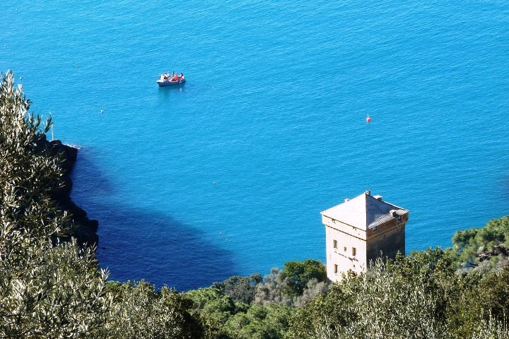 This is one of BeautifuLiguria favorite corner. San Fruttuoso bay is in our list of best beaches in Liguria where to go