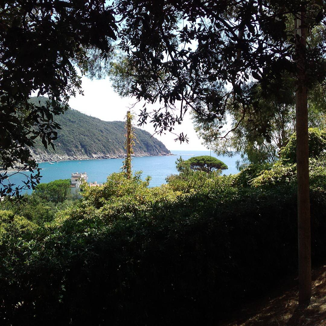 Sestri Levante – Walking along paths known just by local people. Join us!