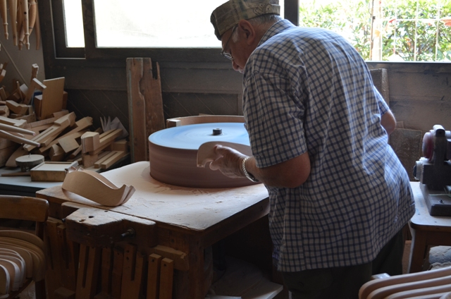 Artisans at work. Visiting the handmade chair workshop in the Italian Riviera