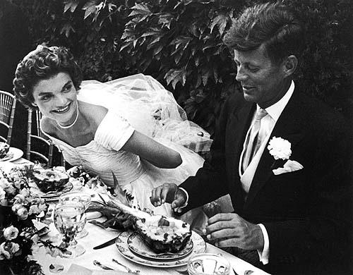Kennedy's wedding. Look at the chiavarina chair handmade by ligurian artisans!