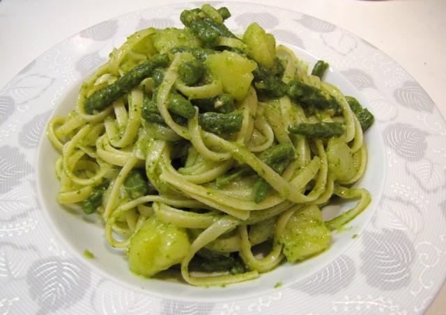Liguria food: Trenette with pesto sauce