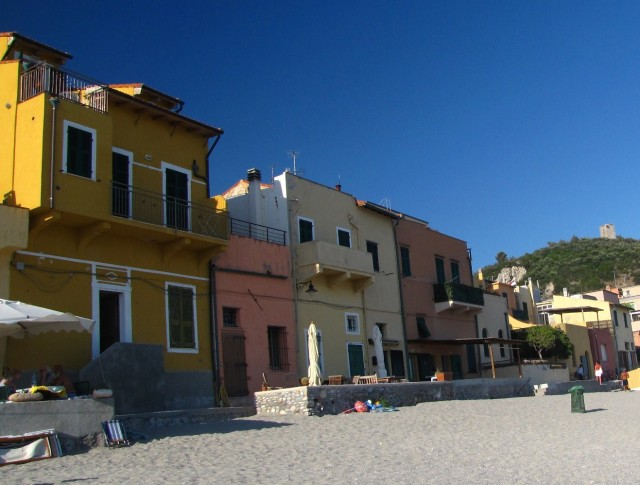 Varigotti village can't miss on your travel list for your next holiday in the Italian Riviera