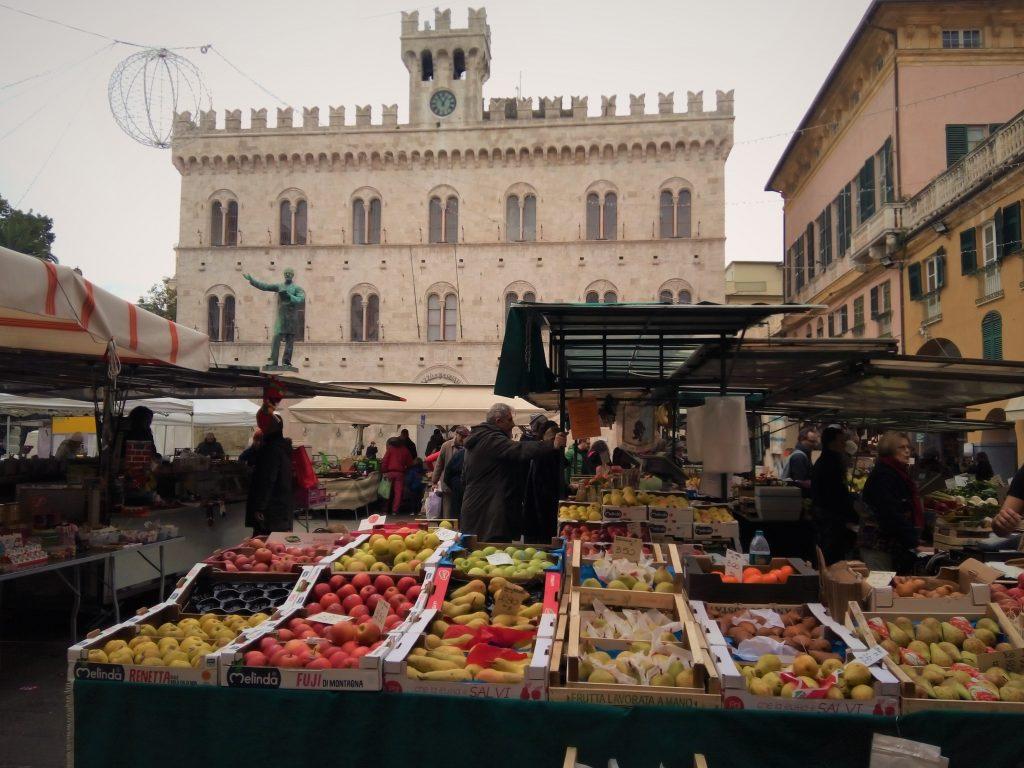 Local market in Piazza Mazzini - Chiavari